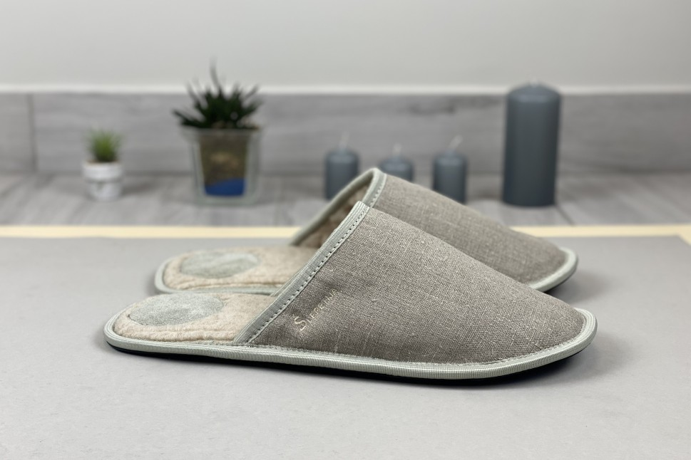 Linnen slippers for men with wool