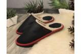 Juodos odinės šlepetės