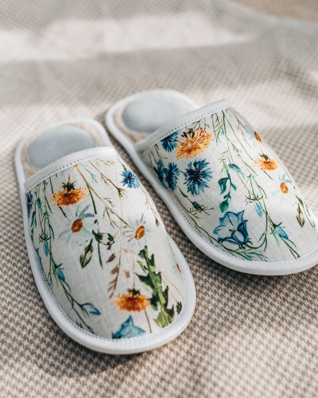 Lightest slippers Flowers